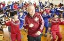 ファンキー吹奏楽部、名物教員引退