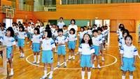 響け復活の第二校歌 越前町四ケ浦小「海の子の歌」 児童、教員が練習 15年ぶり披露へ