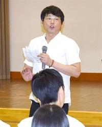 英語の「心」理解を 武生高 NHKラジオ講師授業