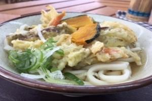 大人気の野菜天ぷらうどん