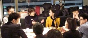 福井についての思いなどを語り合った「福井な人の集い」=12月12日夜、東京都中央区の「北陸海鮮 喜心」