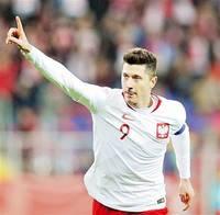 レバンドフスキ(ポーランド) 予選10試合16ゴール サッカーW杯〜世界の顔(6)