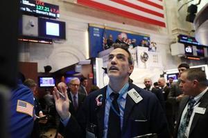 ダウ平均株価が大幅に下落した5日のニューヨーク株式市場(ゲッティ=共同)