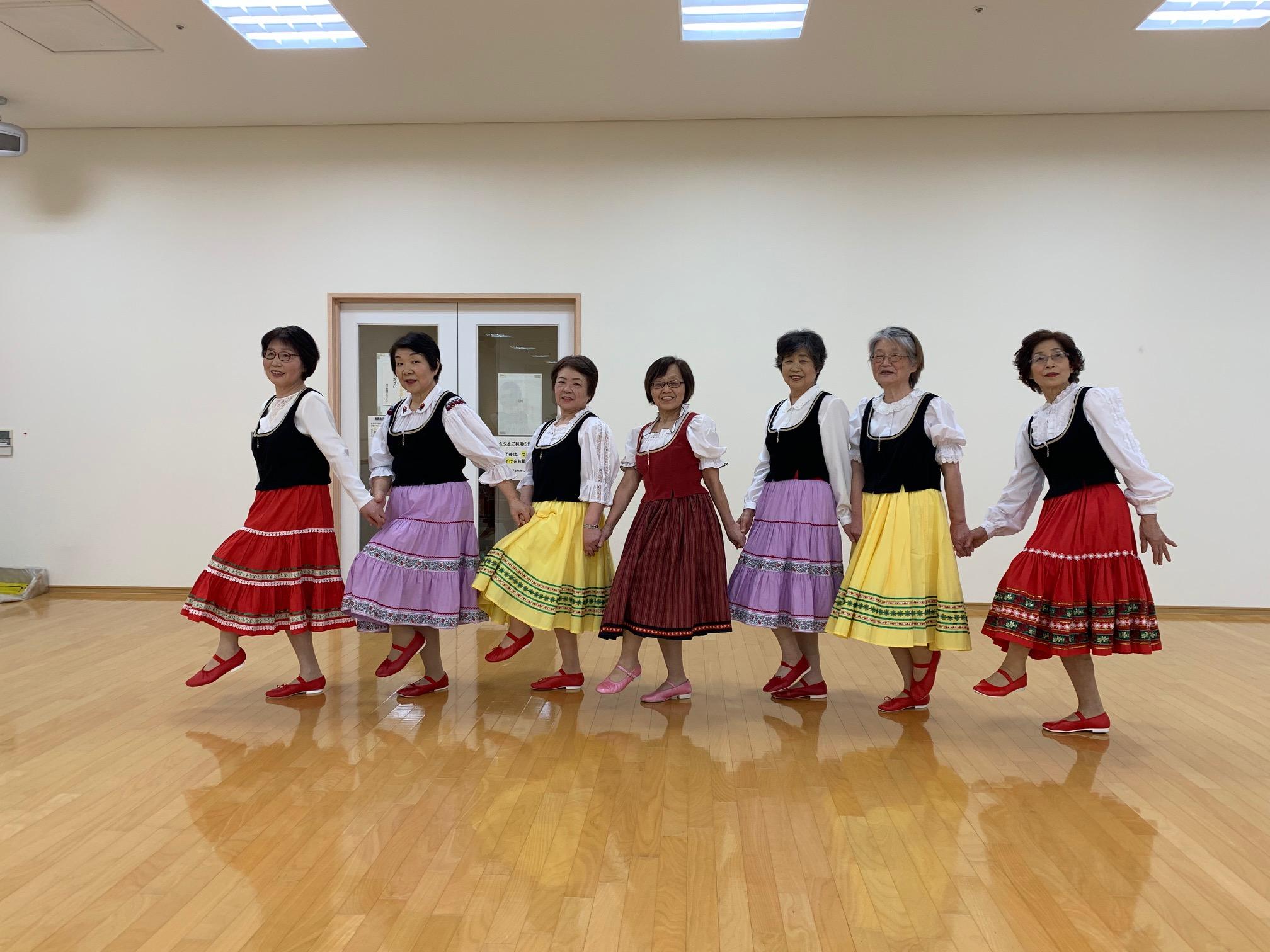 リズムに合わせて 健康フォークダンス
