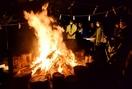 せんべい焼けずとも火は絶やさず