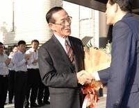 東小浜副市長が退任 2期8年「研さんを積んで」