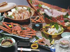 日本海の潮騒と美味しい海の幸でくつろげる宿