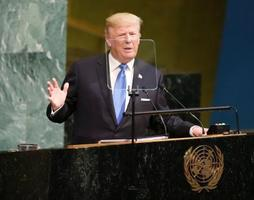 国連総会の一般討論で演説するトランプ米大統領=19日、ニューヨークの国連本部(AP=共同)