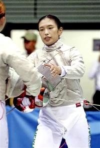 フェンシング女子サーブル 青木千佳 「焦り」克服速さで勝つ 行くぞ県勢2020東京五輪