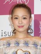 歌手の西野カナさんが結婚