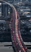 渋滞時の東名高速道路=神奈川県海老名市
