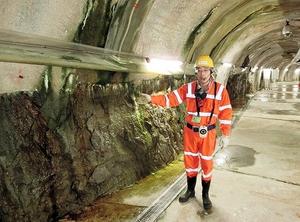 地下300メートル地点で水平方向に延びる研究用の坑道=岐阜県瑞浪市の瑞浪超深地層研究所