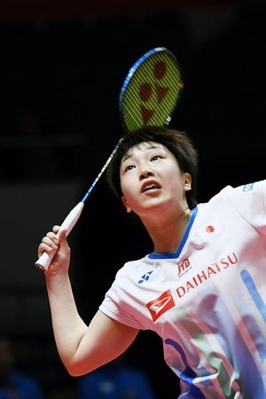 山口茜、完勝で準決勝に望み