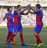 「サッカーコラム」FC東京が身に付けた「ボールの本気狩り」