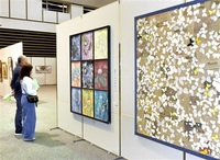 長谷さん(絵画造形)ら市長賞 敦賀市総合美術展開幕 個性光る261点一堂