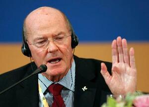 IOC名誉委員のケバン・ゴスパー氏=2008年、北京(AP=共同)