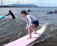 波乗り「最高」 坂井・雄島小児童 三国でサーフィン体験 みんなで読もう