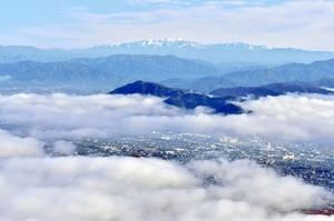 福井県内冷え込み、雲海が市街覆う