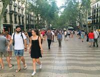 スペインのテロ1年で追悼