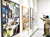 記念日つくる 家族写真 浅田政志展 金津創作の森・来月8日まで 温かみや愛を伝える