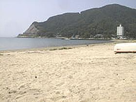 遠浅の海がファミリーに人気の海水浴場