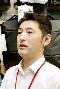 消費拡大へ不安解消を 商業 生活雑貨店店長 岡 晃司さん(43)=福井市 一票に込めた県民の思い