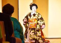 歌舞伎とインド舞踊が競演