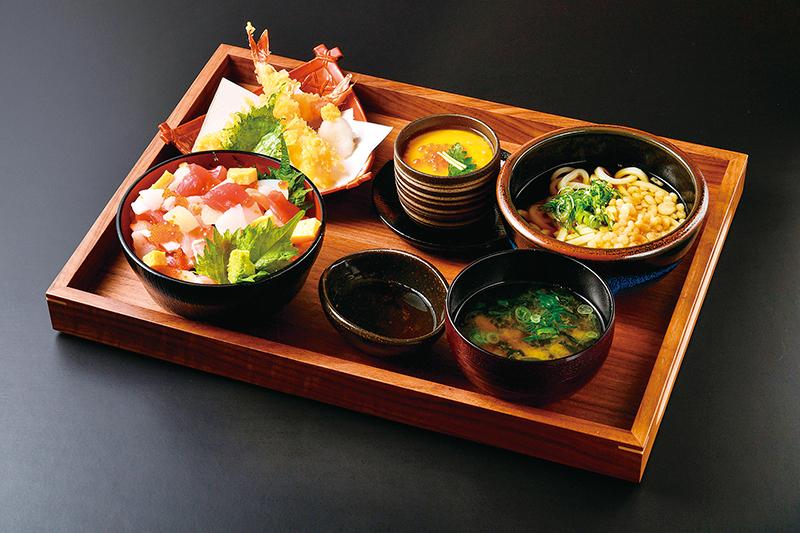 新鮮で大きなネタが自慢。昼夜行きたい、回らない回転寿司。