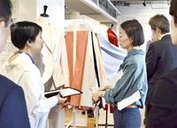 女性向け衣料、生地サカイオーベ提案 都内で展示会