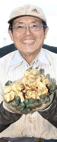 笑顔見つけた 第2の人生 土親しむ 福井市風巻、農家、齋藤宏也さん(73)