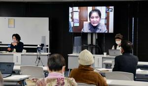 広島市で開かれた「旧陸軍被服支廠」をテーマにした講座=24日午後、広島市