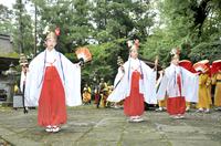 「遠敷祭」神楽や大太鼓が巡行