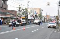 パトカー追跡の車と軽衝突、1人死亡