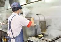 頑張る子 羽ばたく場を 飲食業・アモーレながすぎ(鯖江) 養護施設からバイト積極採用